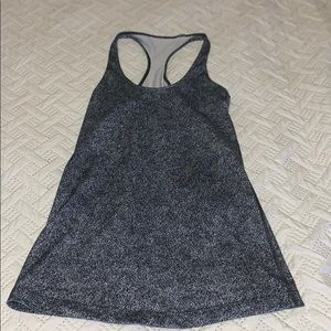 lululemon tank, perfect condition